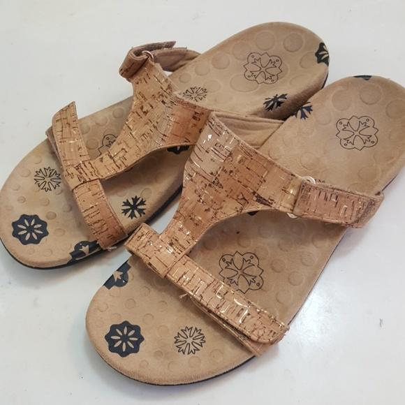 0ddd4a83b3e2 Vionic Sandals. M 5b227381534ef957be504457